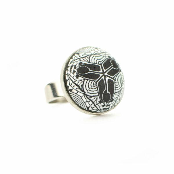 Anillo, artesanal, artesanía, millefiori, caleidoscopio, colores, blanco y negro