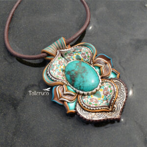 Collar colagante medallón arcilla hechoamano handmade artesanal artesano único arte turquesa