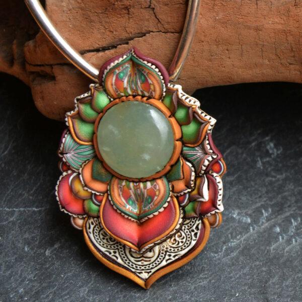 Collar colagante medallón arcilla hechoamano handmade artesanal artesano único arte turquesa playa verano aventurina helecho
