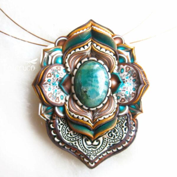 medallón colgante collar cuero arcilla polimérica flor largo artesanía handmade árbol de la vida semipreciosa beso amarillo lateral