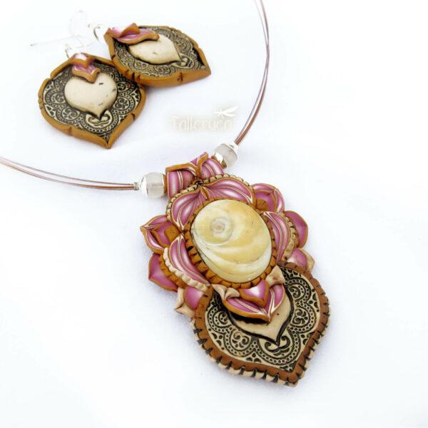 ollar colgante arcilla polimérica millefiori artesanía handmade hippie boho chic rosa opérculo cobha playa verano