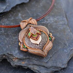 Collar colgante medallón necklace artesano artesanía handmade arte semipreciosa hindi marrón millefiori modelo