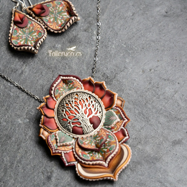 Collar colgante medallón necklace artesano artesanía handmade arte semipreciosa plata árbol de la vida grande rojo