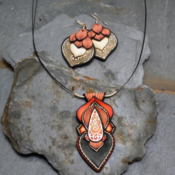 Collar colgante medallón necklace artesano artesanía handmade arte semipreciosa plata espiral lágrima fuego