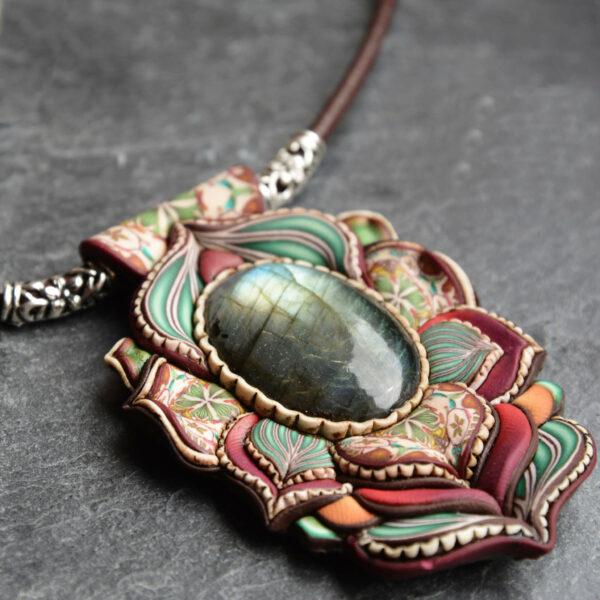 Collar colgante medallón necklace artesano artesanía handmade arte semipreciosa plata labradorita