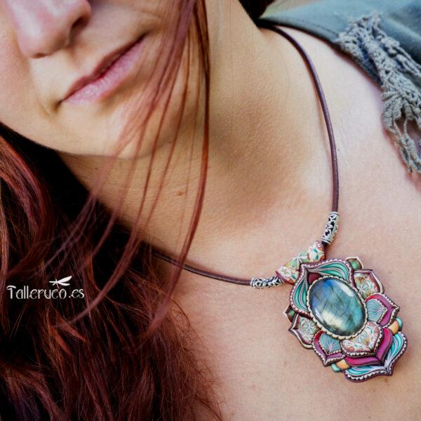 Collar colgante medallón necklace artesano artesanía handmade arte semipreciosa plata labradorita modelo