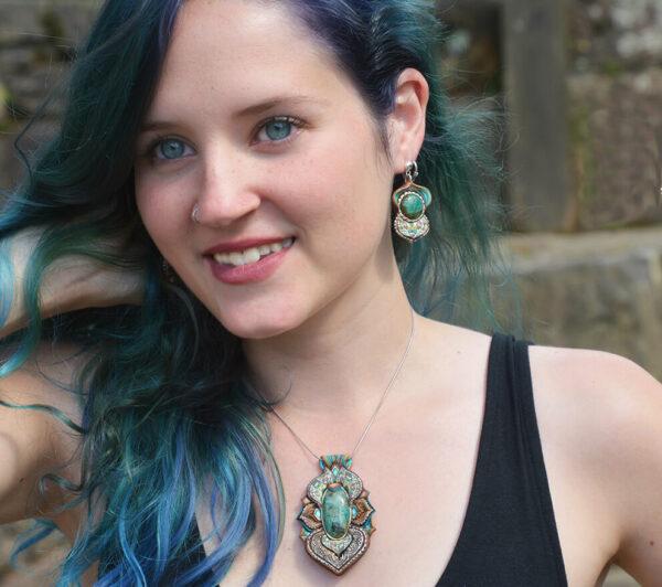 Collar crisocola azul cantabria artesanía joyería artesanal modelo