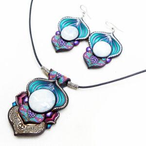 Collar piedra luna redonda azul cantabria artesanía joyería artesanal