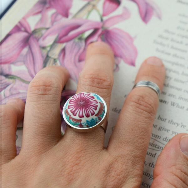 anillo artesanal arcilla polimérica acero ajustablre regulable millefiori calidoscopio lectura