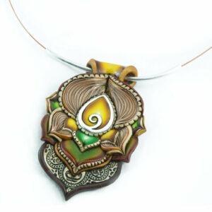 collar colgante artesnía cantabria handmade gota plata amarillo