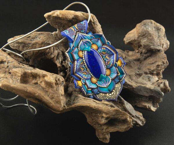 collar colgante medallón millefiori azul lapislázuli handmade artesanía Cantabria