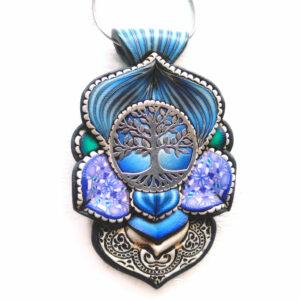 medallón colgante collar cuero arcilla polimérica flor largo artesanía handmade árbol de la vida plata azul cyan