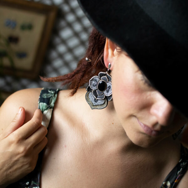 pendientes artesanía artesanal artesanos millefiori semipreciosa gema gemas colores cantabria handmade ónix modelo sombrero