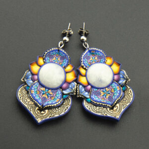 pendientes millefiori cuero arcilla polimérica artesanía handmade hippie piedra luna azul amarillo verano
