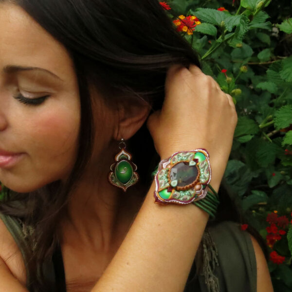 pulsera artesanal artesanía handmade millefiori semipreciosa gema magia amor hippie chic boho bohemian ágata verde model