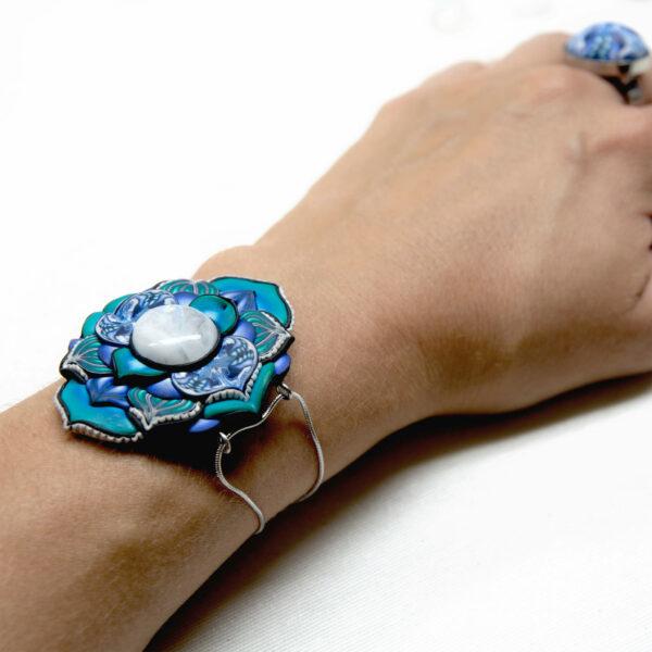 pulsera artesanal cantabria semipreciosa piedra luna azul