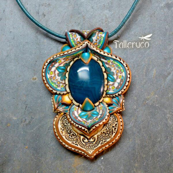 semipreciosa, lapislázuli, azul elegante joyería creativa collar colgante medallón artesanía artesanal cantabria ágata azul