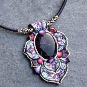 semipreciosa, lapislázuli, azul elegante joyería creativa collar colgante medallón artesanía artesanal cantabria amatista