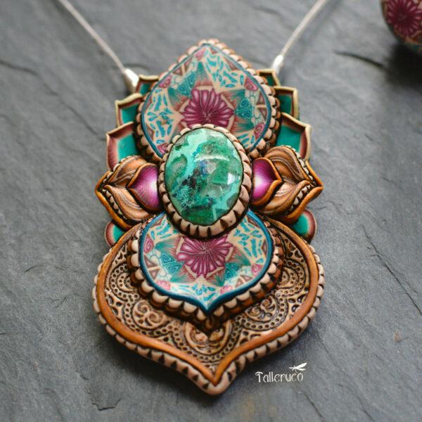 semipreciosa, lapislázuli, azul elegante joyería creativa collar colgante medallón artesanía artesanal cantabria amazonita pequeña