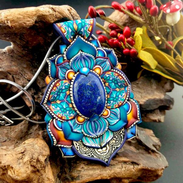 semipreciosa, lapislázuli, azul elegante joyería creativa collar colgante medallón artesanía artesanal cantabria lapislázuli